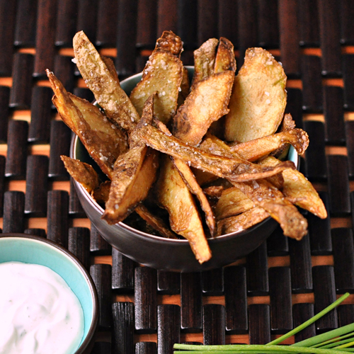 Potato Crisps with Chive-Sour Cream Dip
