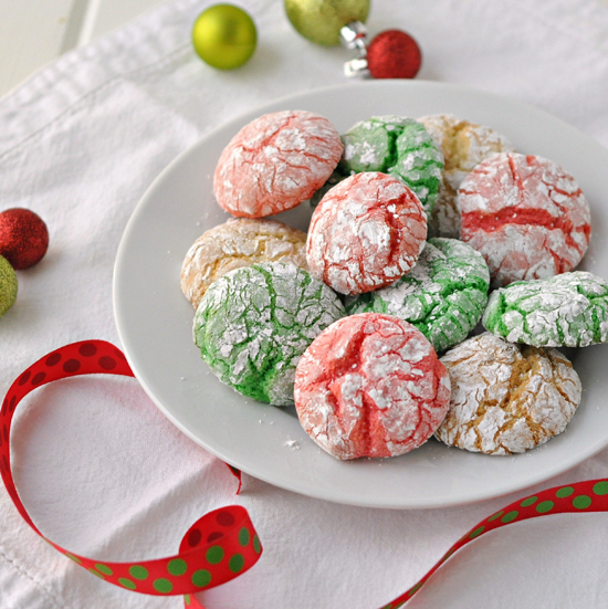 Colorful Crinkle Cookies ~ The Way to His Heart ~ Colorful and festive, this recipe makes 6 doz. perfect for cookie swaps and parties!
