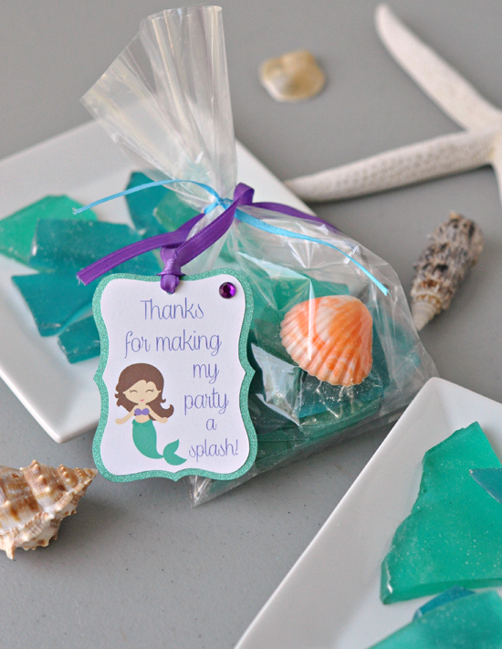 Sea Glass Rock Candy ~ A pretty favor gift for showers and weddings and a cute idea for kid's birthday parties! ~ The Way to His Heart #kids
